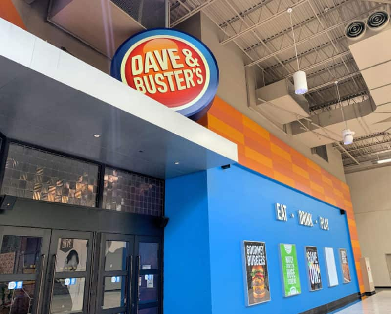 Entrance to Dave and Busters at the Palisades Mall