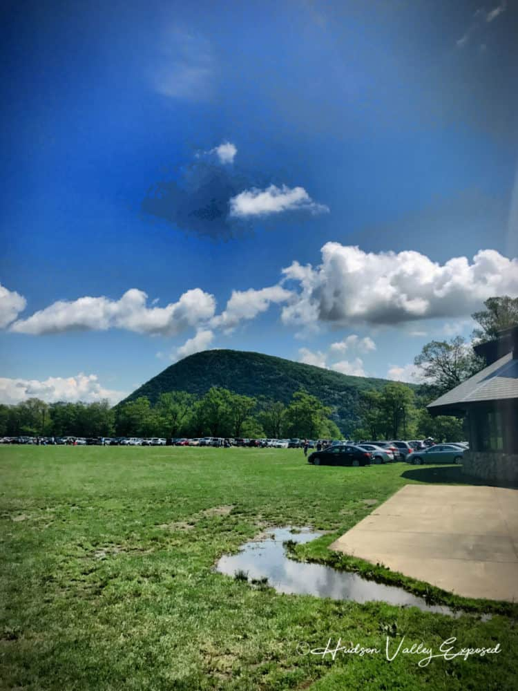 A view from the parking lot at the bear mountain state park and for bear mountain activities