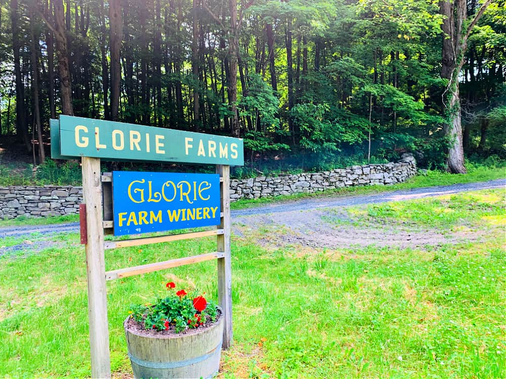 Entrance to Glorie Farm Winery in Ulster County, NY